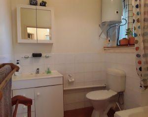The Salon at Sevenoaks bathroom before refurbishment