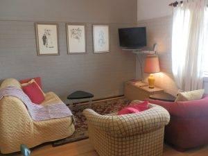 Sevenoaks Apartment Perth Maylands cozy living room