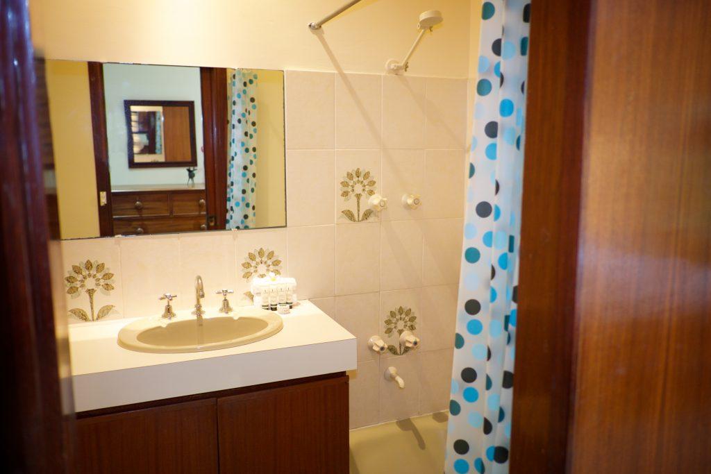 Swanbourne Colonial Bushland Retreat ensuite bathroom