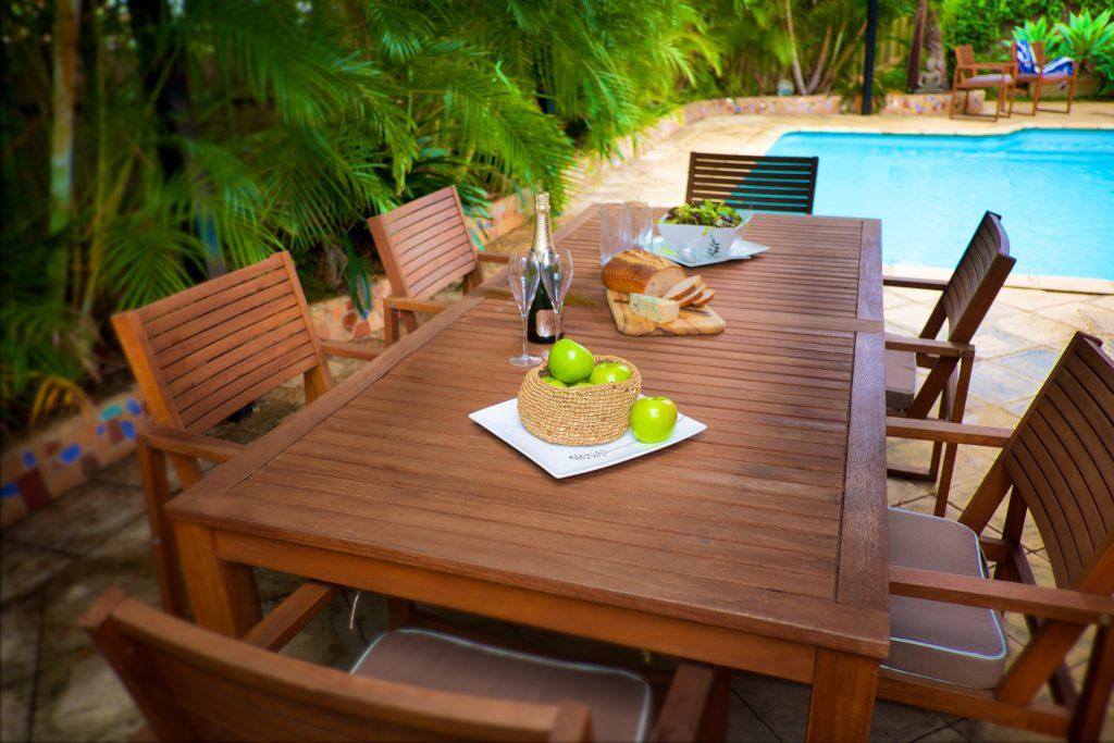 Swanbourne Colonial Bushland Retreat alfresco dining