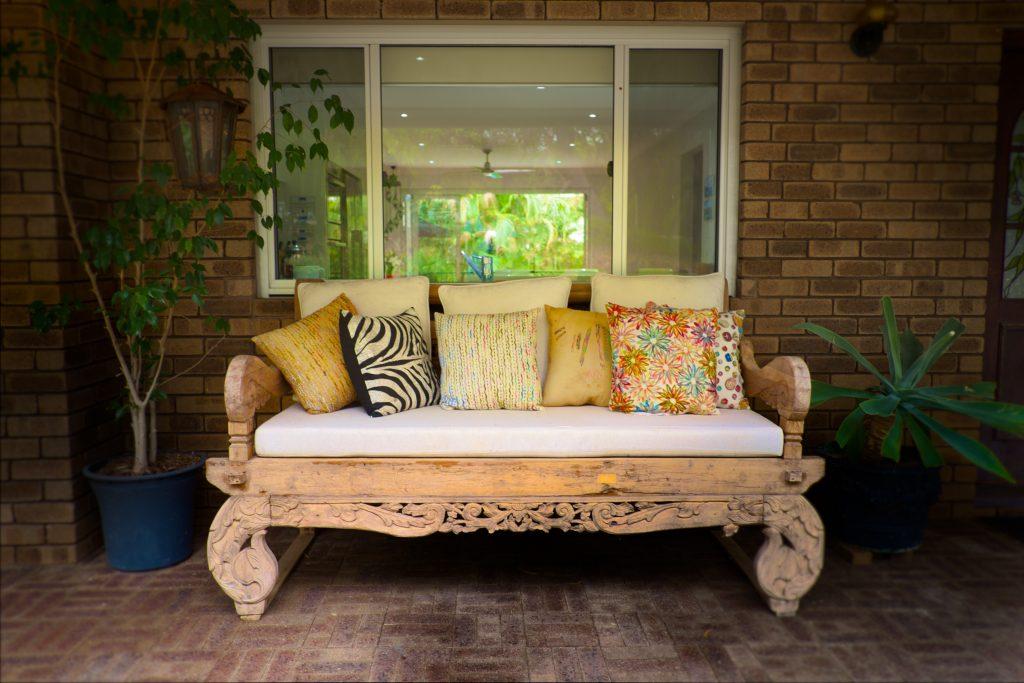 Swanbourne Colonial Bushland Retreat under verandah seating