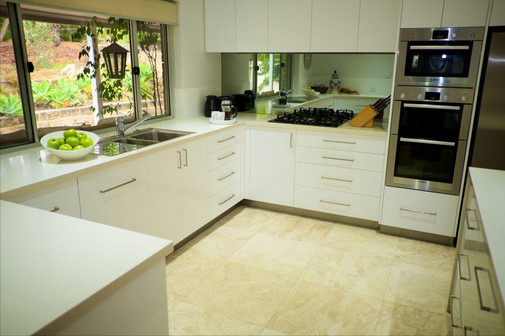 Swanbourne Colonial Bushland Retreat kitchen