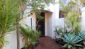 Suffolk street Villa courtyard