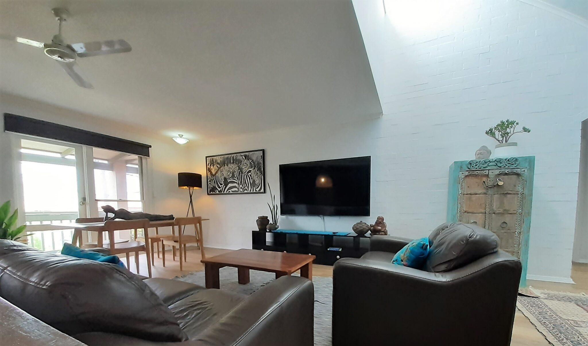 Fremantle's Suffolk street villa living room